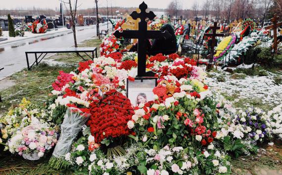 Елена Миро поддержала семью Юлии Началовой в желании поставить памятник певице