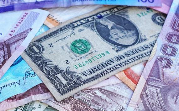 Курс доллара на открытии торгов Мосбиржи снизился до 70,92 рубля