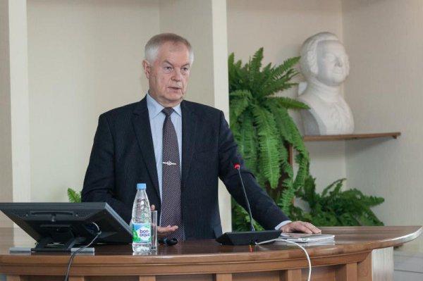 Александр Бедрицкий провел открытую лекцию в САФУ