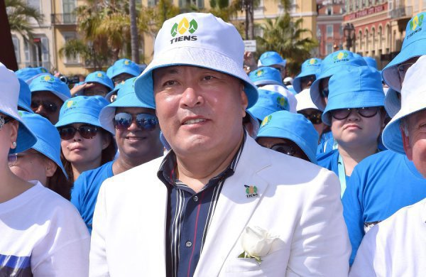 Владелец компании Тяньши миллиардер Ли Цзиньюань