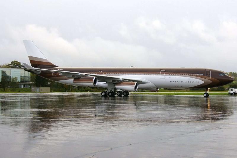 Самолет Boorlhan Airbus A340 Алишера Усманова
