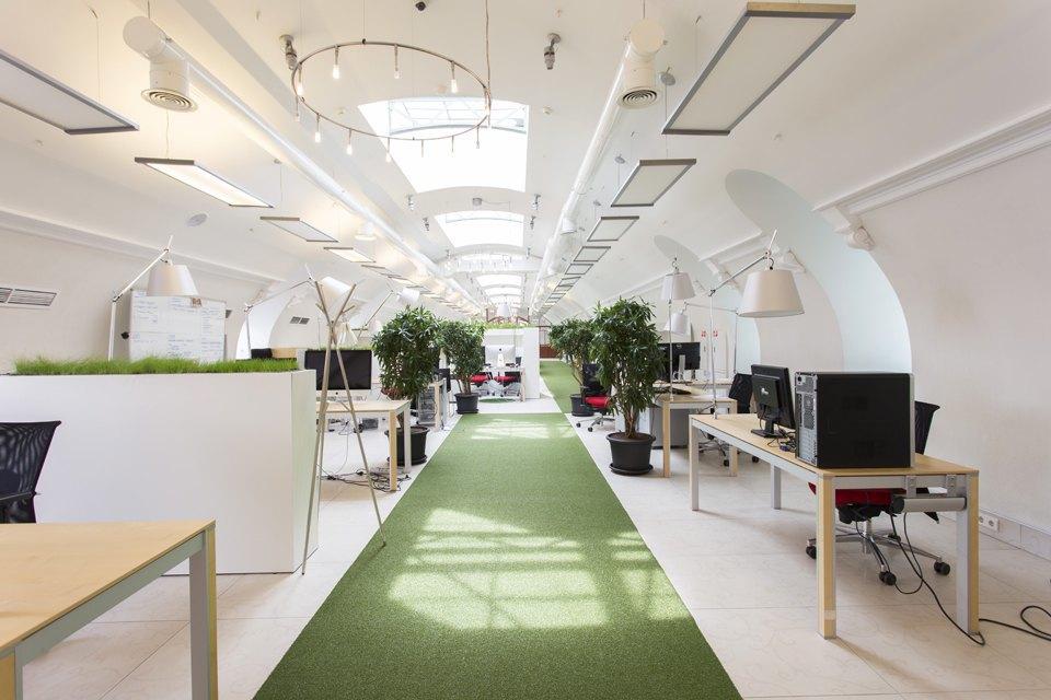 Офис в здании дома «Зингер» для команды разработчиков «ВКонтакте