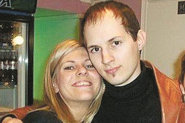 Павел Дуров (до пластических операций) с предполагаемой женой Дарьей Бондаренко (слева).