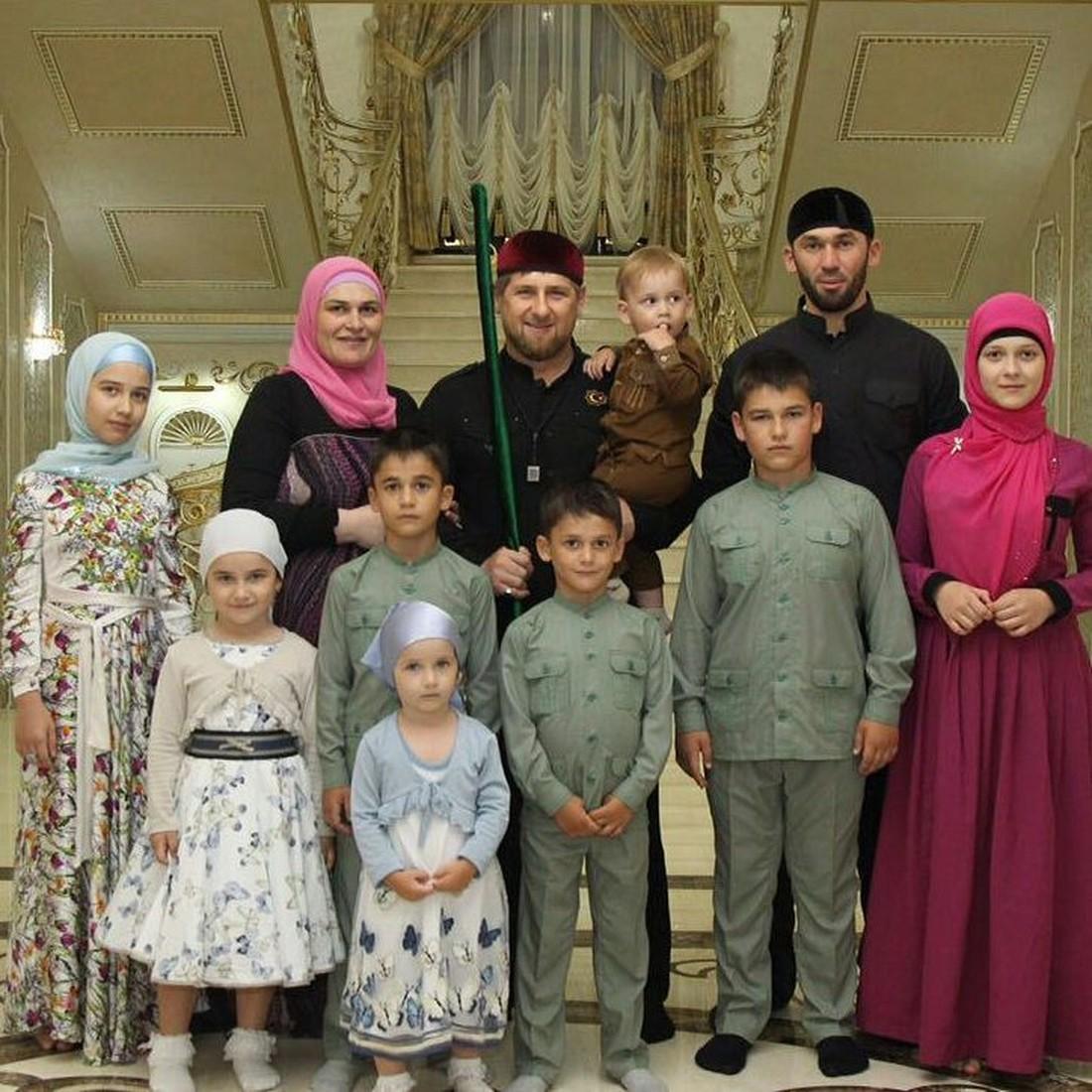Рамзан Кадыров с семьей