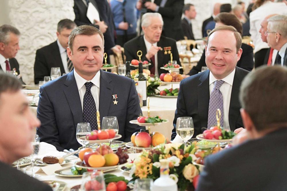 Антону Эдуардовичу Вайно - 45 лет