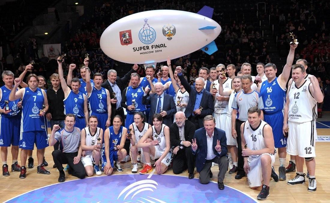 С участниками VII Всероссийского чемпионата Школьной баскетбольной лиги