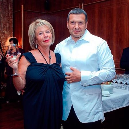 Владимир Соловьев с мамой