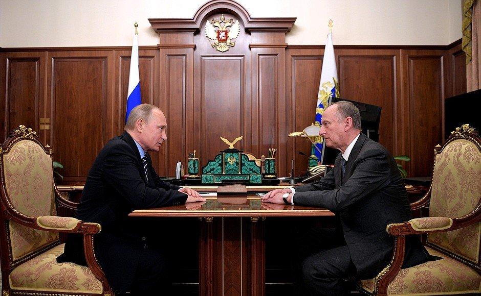 Путин с секретарём Совета Безопасности