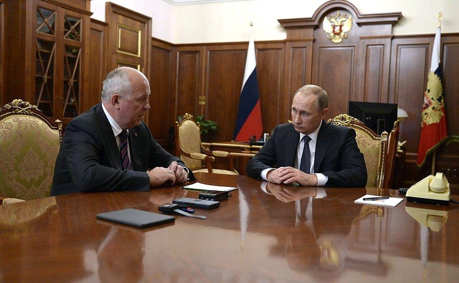 """Чемезов представил Путину новые разработки """"Ростеха"""""""