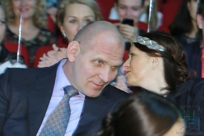Александр Карелин с супругой
