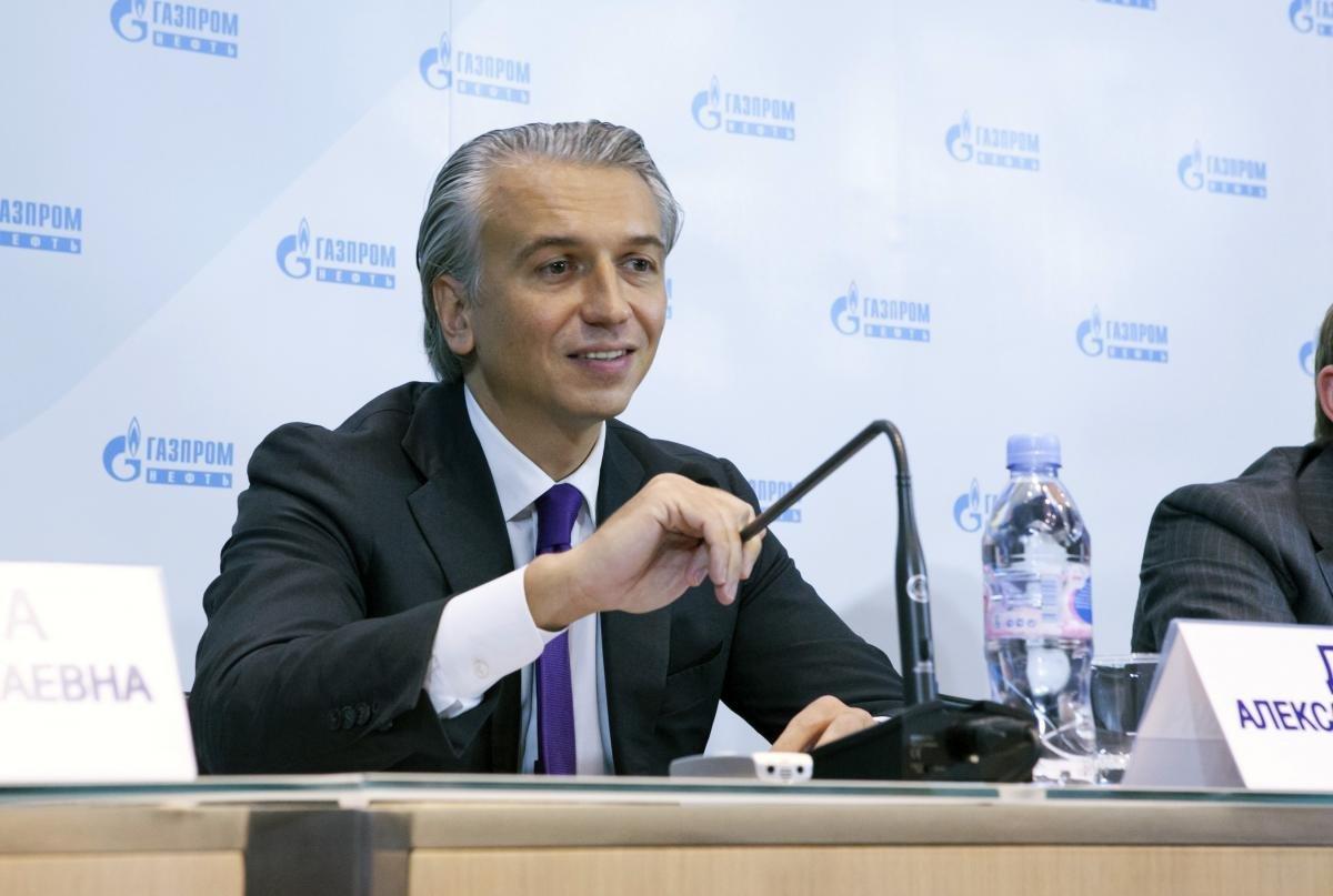 Дюков Александр Валерьевич - Председатель Правления, генеральный директор ОАО «Газпром нефть
