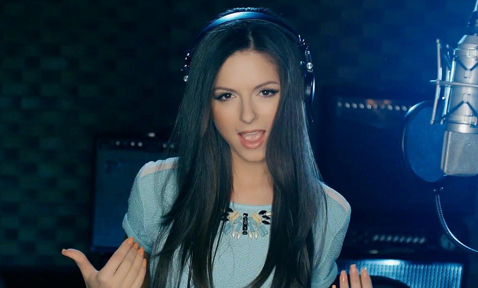 Нюша представила новый клип на песню «Ночь»