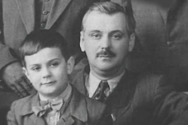 Никита Михалков в детстве с отцом