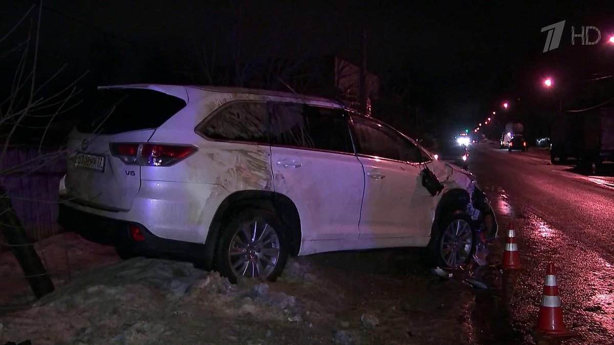Разбитый авто Караченцова