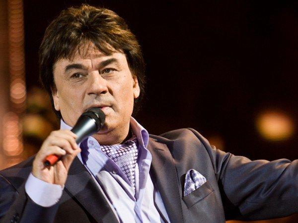 Сегодня, 24 марта, российский артист Александр Серов отмечает 60-летие.