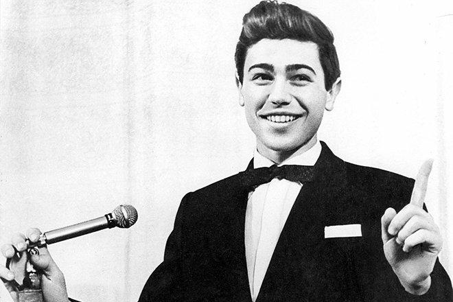 Молодой Евгений Петросян на сцене