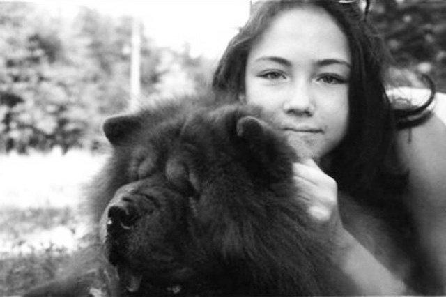 Ляйсан Утяшева в юности с собакой