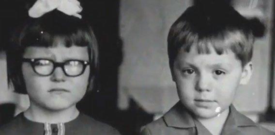 Елена Васильевна Малышева(слева) с братом