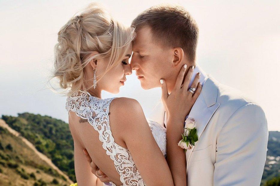 Певица Ханна вышла замуж за генерального директора Black Star inc.