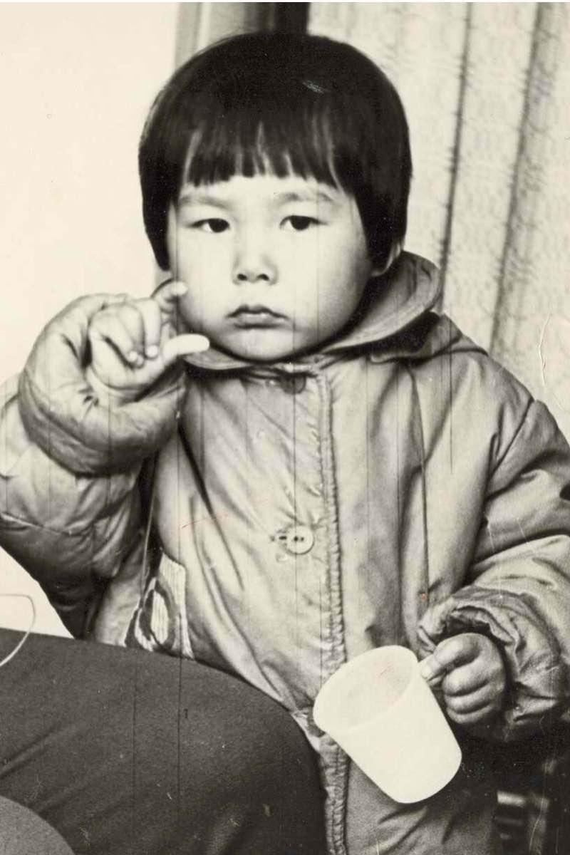 Анита Цгой в детстве