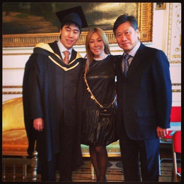 Анита Цой с мужем и сыном. Оба Сергеи