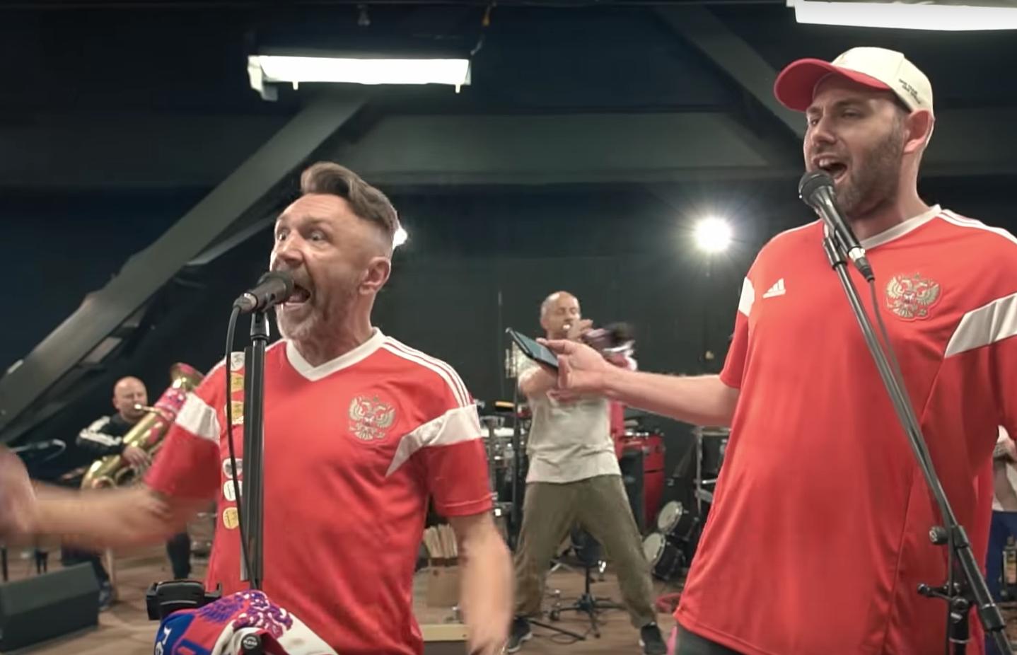 Слепаков и Шнуров песня про футбол