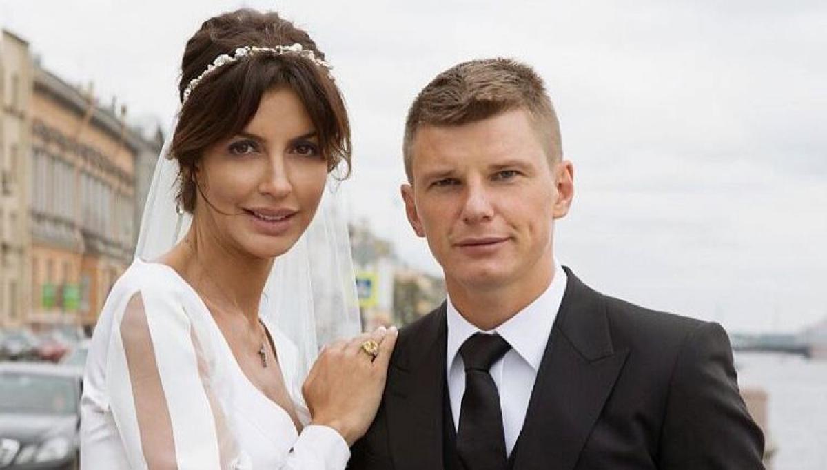 Андрей Аршавина с женой Алисой Казьминой
