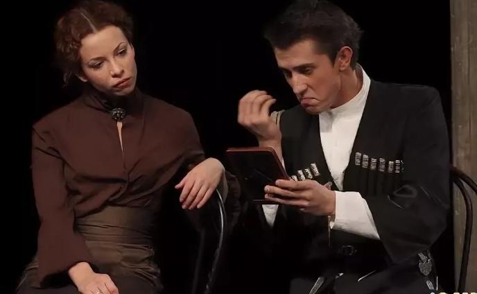 Спектакль с Павлом Прилучным