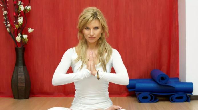 Ирина много времени уделяет йоги