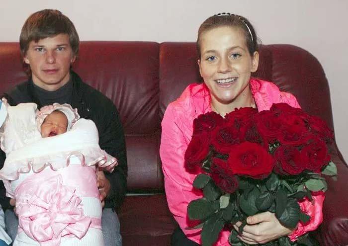 Юлия Барановская с мужем Аршавиным и сыном Артёмом
