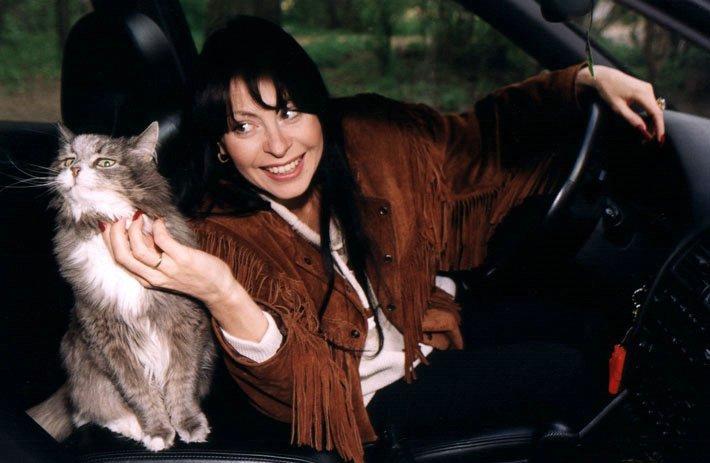 Певица Марина Хлебникова с котом