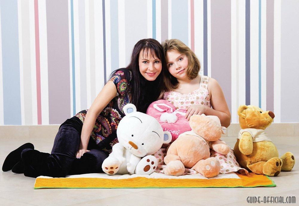 певица проживает со своей дочкой в шикарных московских апартамент