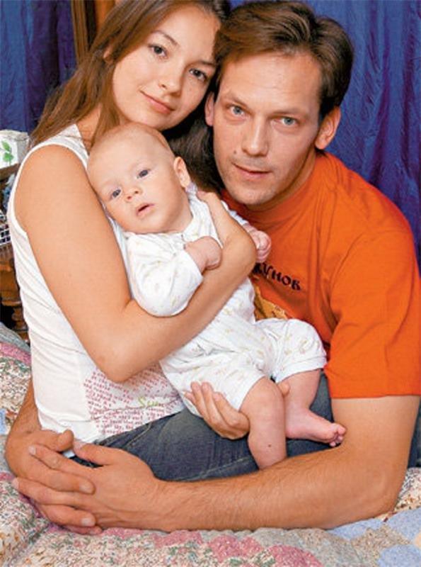 Ольга Павловец с мужем Дмитрием Щербиным и сыном