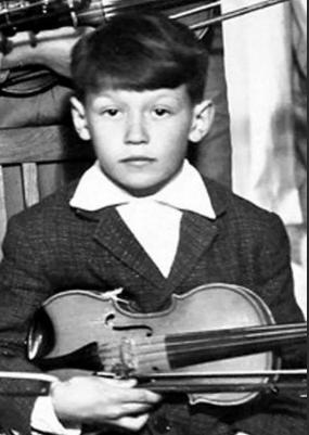 Владимир Кузьмин - в музыкальной школе, класс скрипки