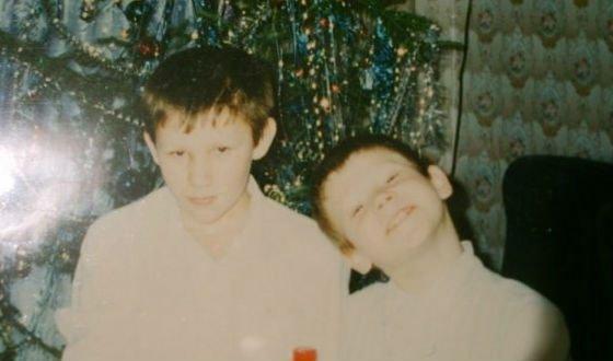 Детское фото Виктора Хориняка (слева брат)