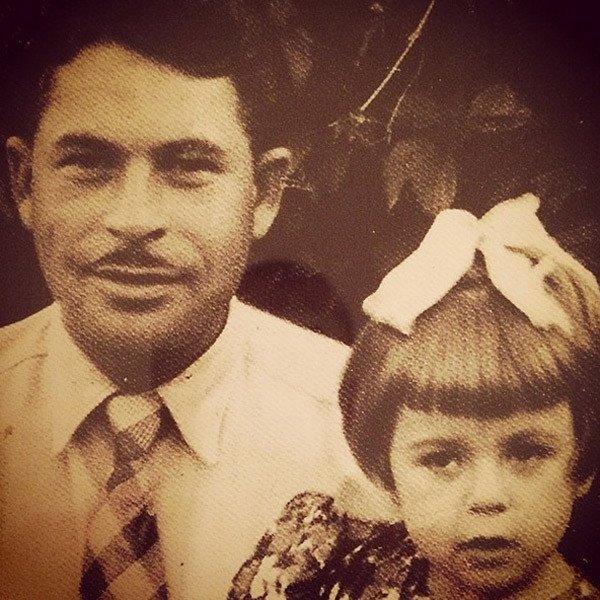 Любовь Успенская в детстве с отцом