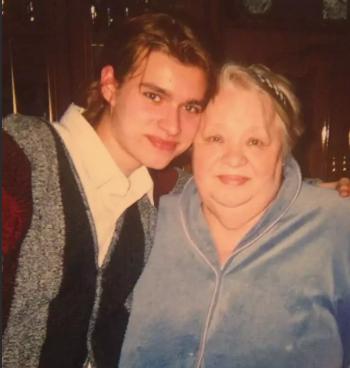 Гоген Солнцев с бабушкой