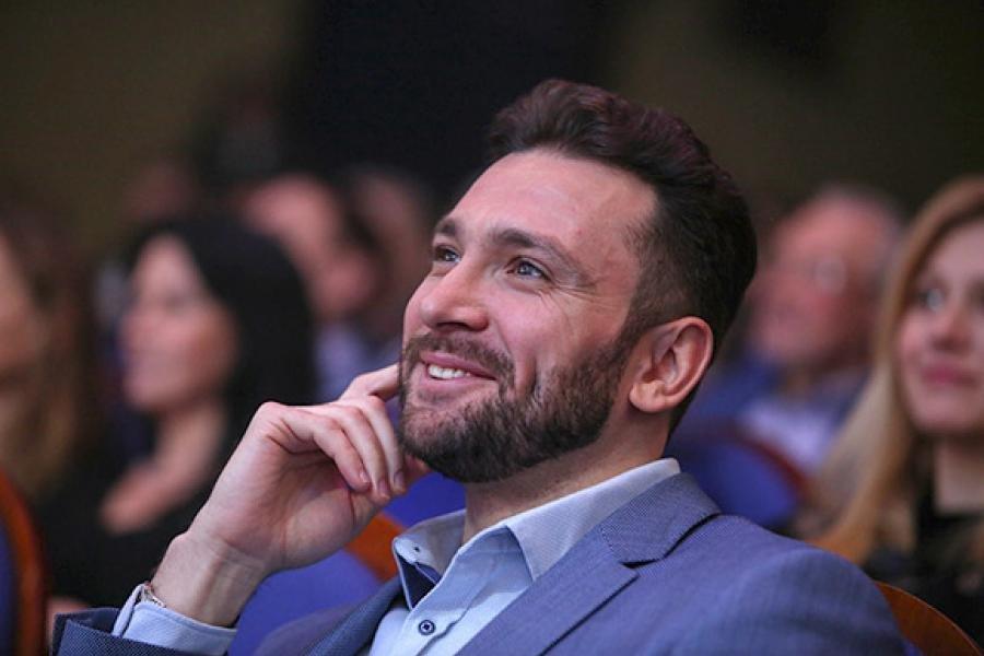 Актер Губернского театра Антон Хабаров