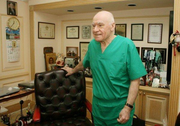 Директор Научного центра сердечно-сосудистой хирургии имени Бакулева
