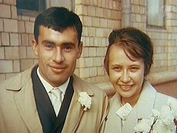 Со своей супругой Ольгой Александровной Лео познакомился в институте