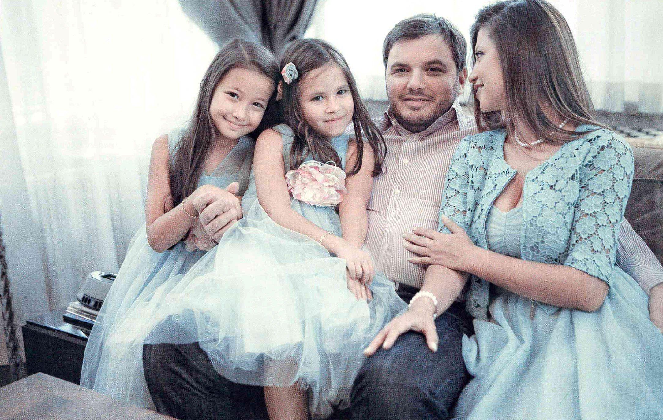 Яна Батыршина и Тимур Вайнштейн с дочерьми