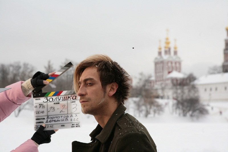 "Артем Ткаченко на съёмке фильма ""Золушка"""